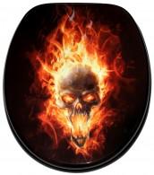 WC-Sitz mit Absenkautomatik Totenkopf in Flammen